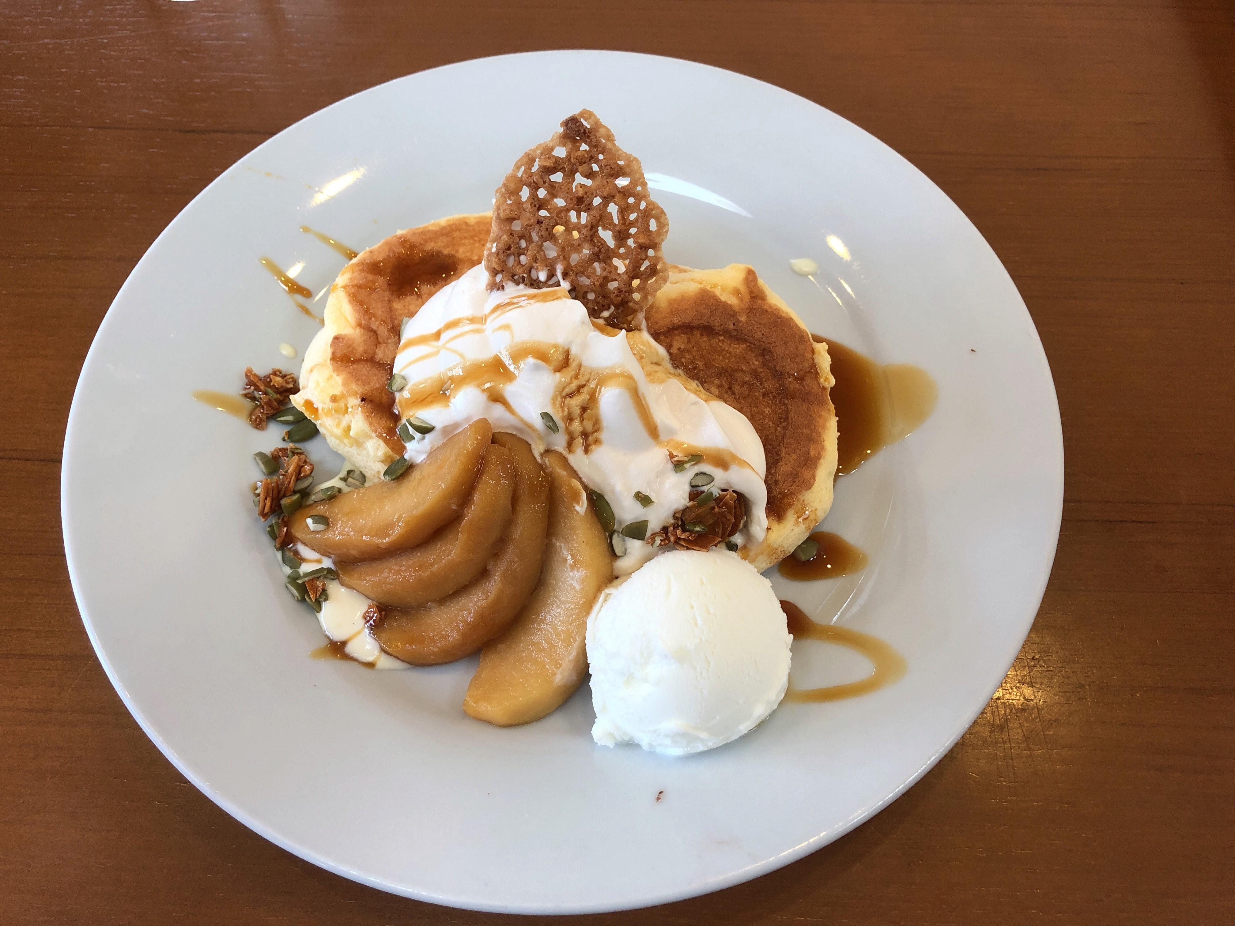 黒田養蜂園直営のカフェハニービー、SNS映え間違い無しのパンケーキを30代おっさんが一人で食べてきた