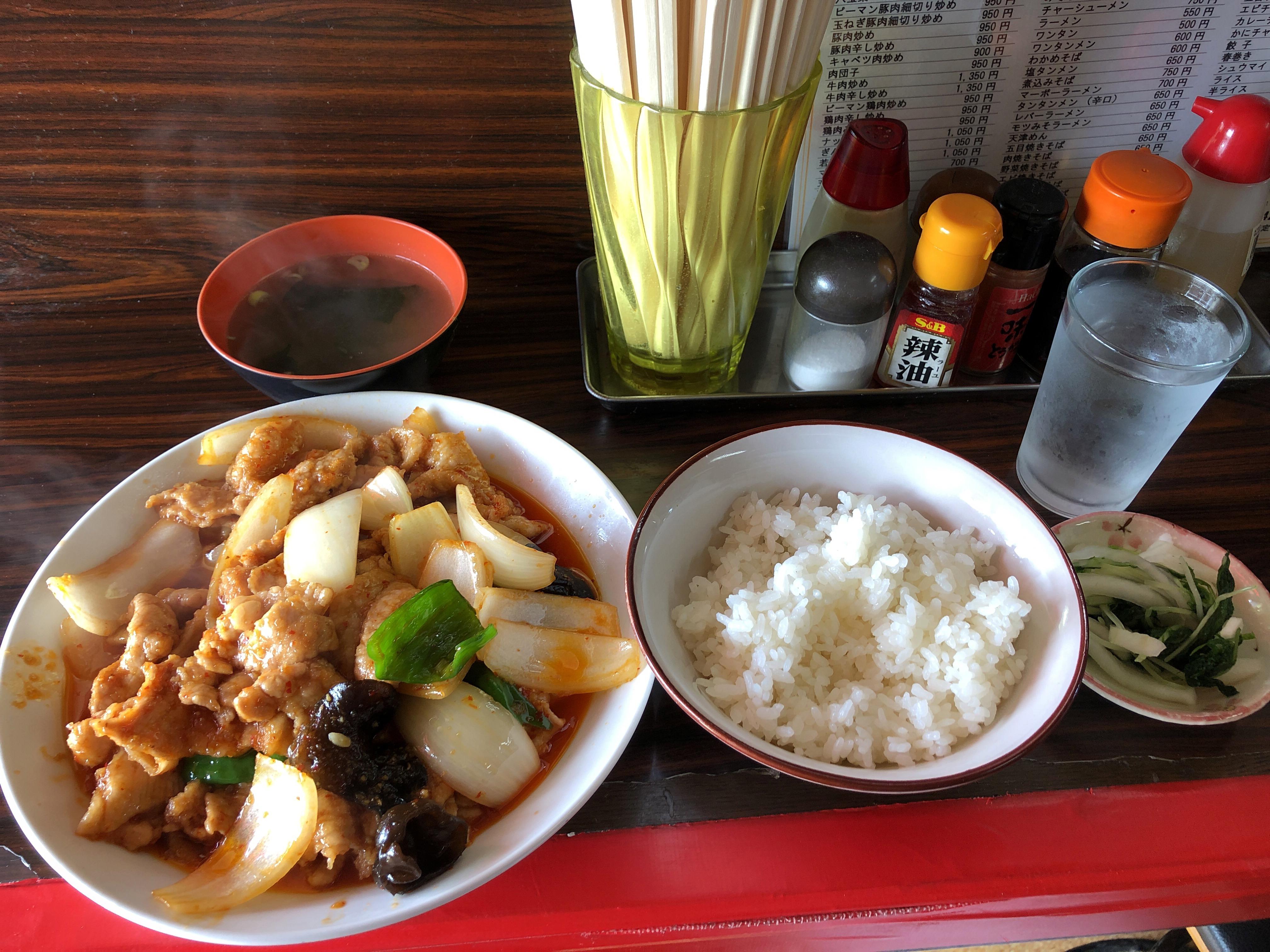 鹿沼市緑町にひっそりとある中華屋さん栄蘭飯店、ボリューム満点の豚辛し炒め定食に大満足