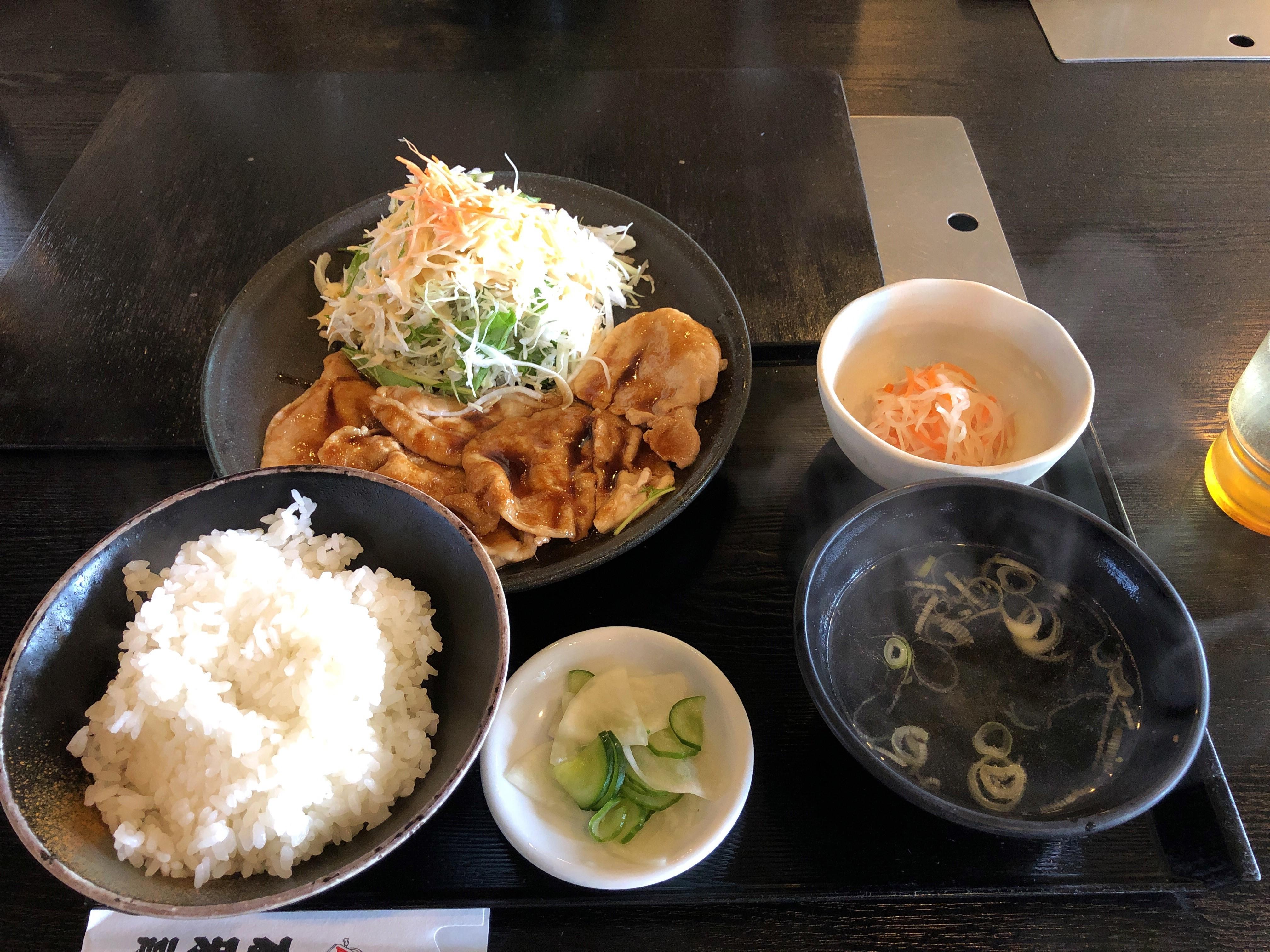 宇都宮大学陽東キャンパスすぐ近く焼き肉友雅亭に初訪店、ふっくら柔らかい生姜焼き定食に舌鼓
