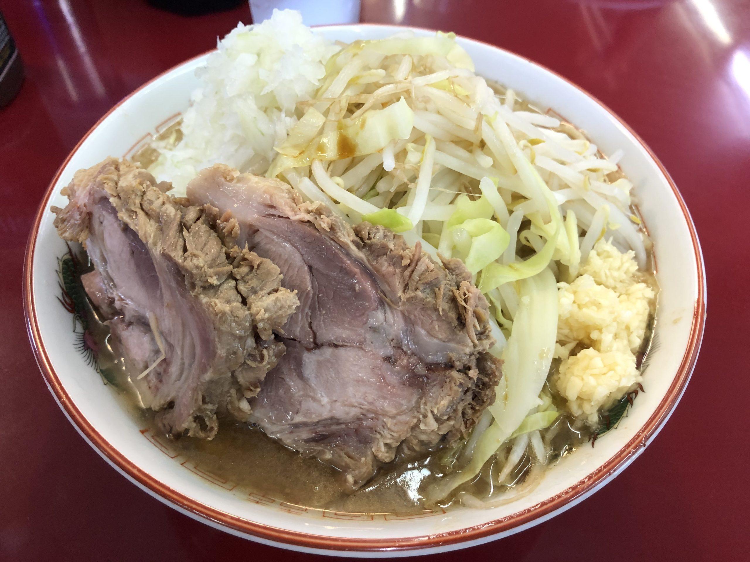 真岡市の二郎系ラーメンの勇「ジラフ」に訪問、超こってりラーメンとの闘いがついに始まる