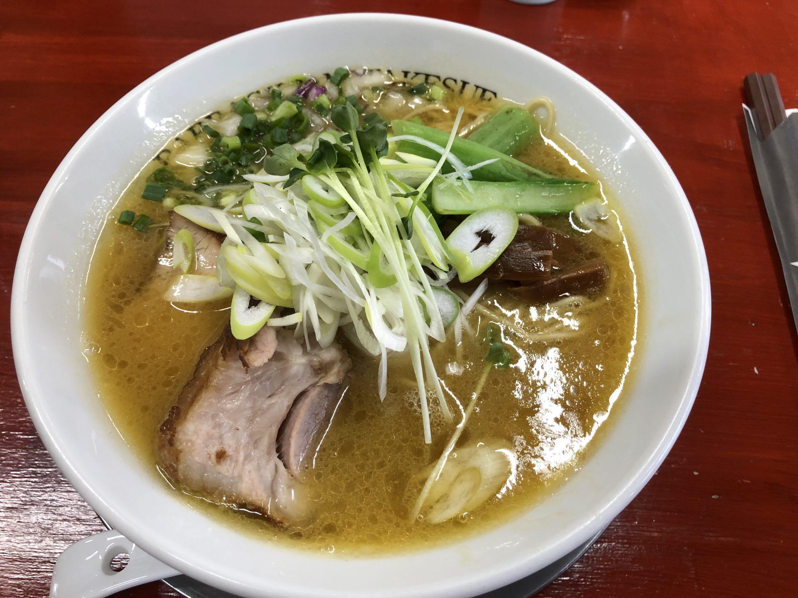 鹿沼環状線沿い、YAZAWAでおなじみ竹末系ラーメン店「BARRACK D.M 竹末」の濃厚鶏中華とローストポーク丼を食べてきました