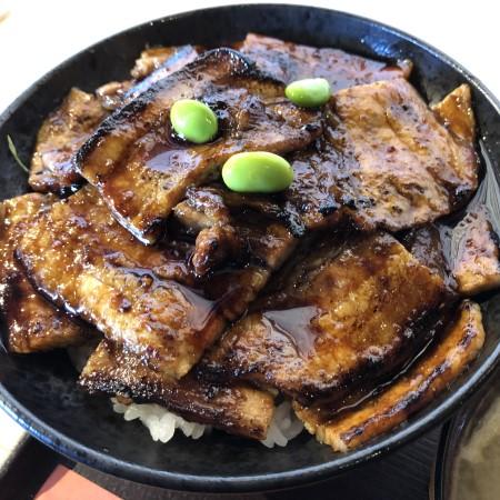 北海道ご当地グルメ帯広豚丼専門店「帯広豚丼 太助」に初訪問 コスパ◎お肉山盛り豚丼をいただいてきた