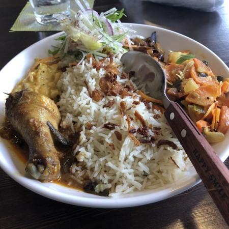オリオン通り裏手にてスリランカカレーが食べられるお店「食堂酒場 38HOUSE」に初訪問 日本のカレーとは違う個性的なカレーは是非ともお試しあれ