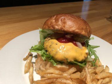 宇都宮中央区いちょう通り沿い、お肉専門店「MEAT DINING ZIG」 テイクアウトOK!ぶ厚いパティの入ったチーズバーガーを食べてきた