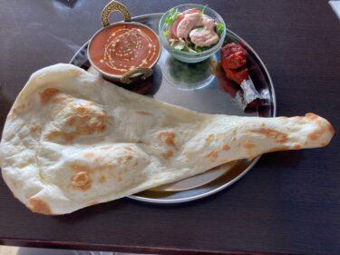インド・ネパールレストランチョウタリー リーズナブル、特大ナンが嬉しいランチセットに大満足